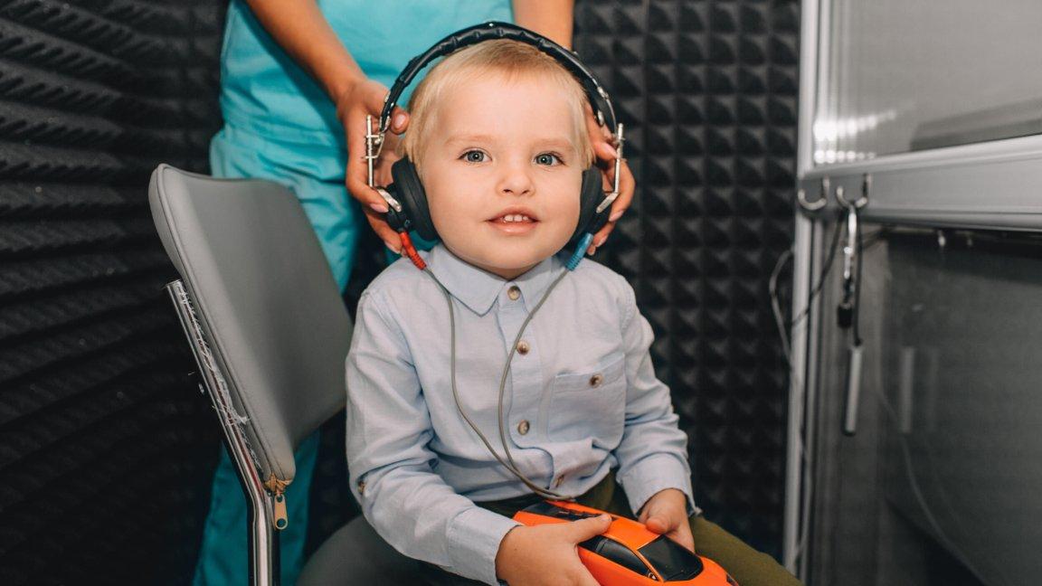 pruebas auditivas niños